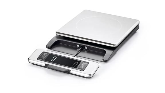 Oxo Good Grips Stainless Steel Scale With Pull-Out Digital Display