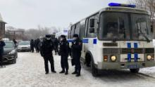 200 opposition activists detained at democratic forum in Moscow. Russian authorities says they were breaking Covid-19 protocol