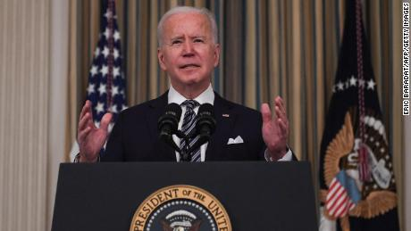 Three-ring binders and 14-point font: How Biden preps for a news conference