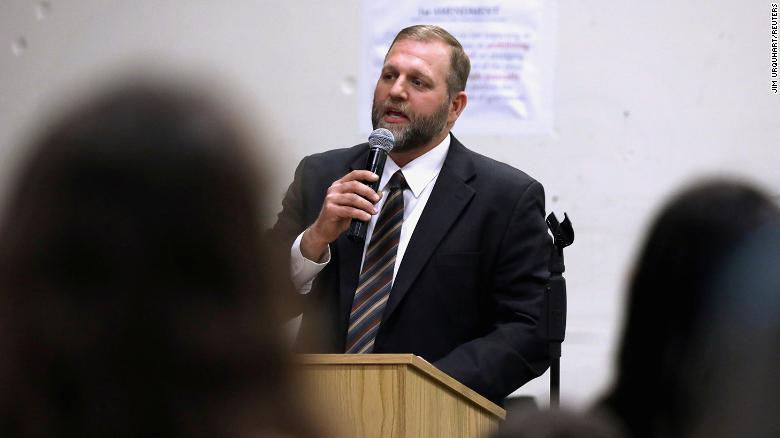Ammon Bundy won't wear mask in courthouse so judge has him arrested for failure to appear