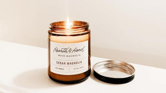 Hearth & Hand with Magnolia Cedar Magnolia Amber Candle
