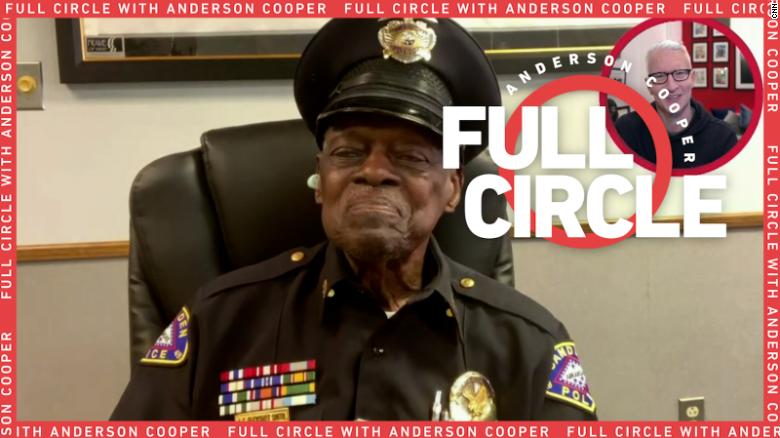 At 91, the oldest police officer in Arkansas has no plans to retire