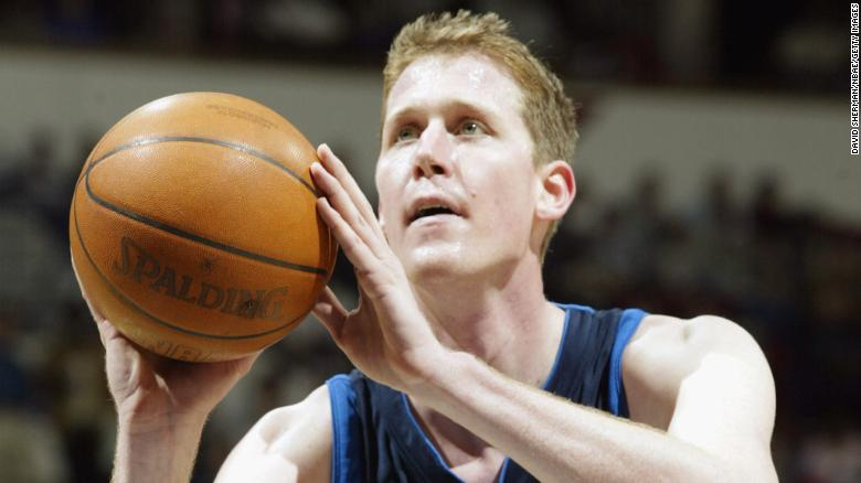 Former Dallas Maverick Shawn Bradley paralyzed after car hit his bike, team says