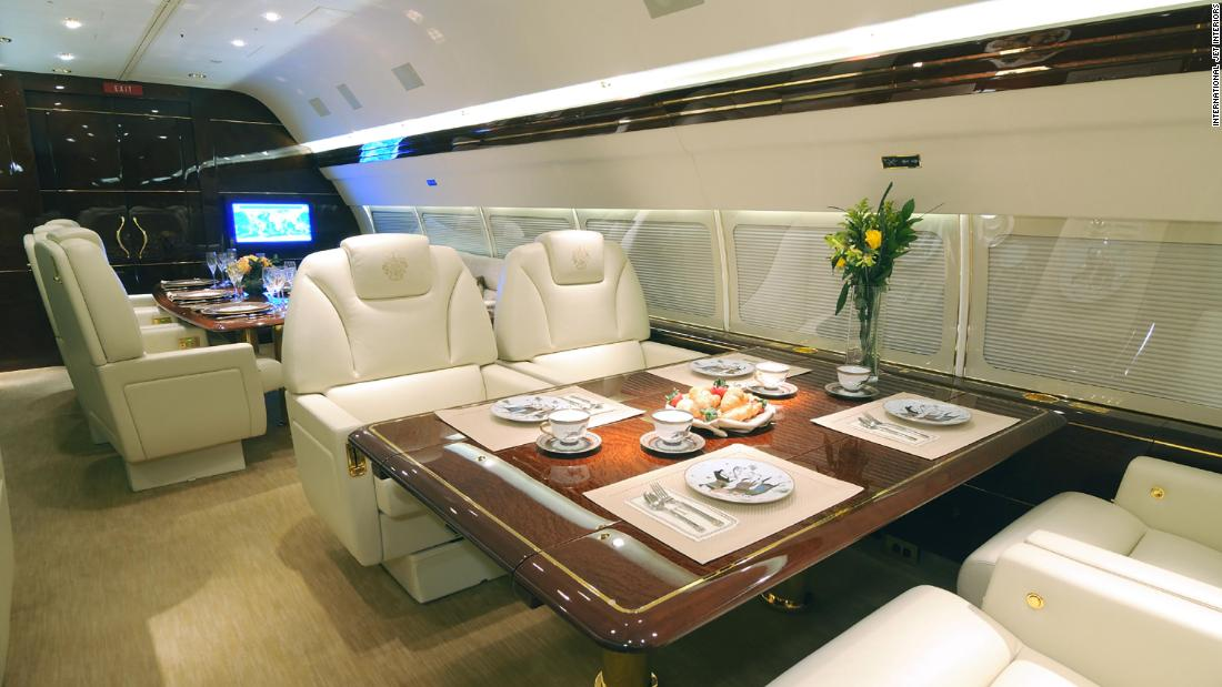 A table set for a meal aboard Trump's 757.