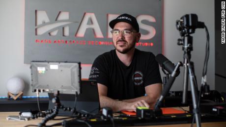 Tim Dodd, ikdienas astronauta dibinātājam, ir vairāk nekā 5000 Patreon abonentu.