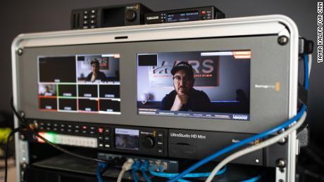 Tims Dodds, pārraidot SpaceX palaišanas, savā YouTube kanālā ir uzkrājis gandrīz 1 miljonu abonentu.