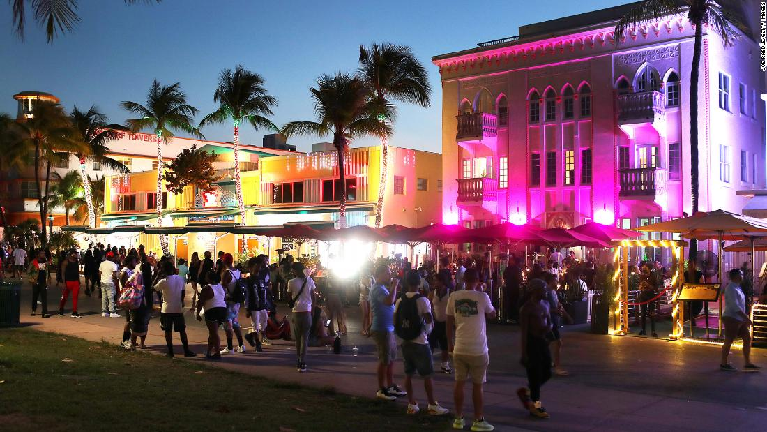 Miami Beach extends curfew to deal with unruly spring breakers