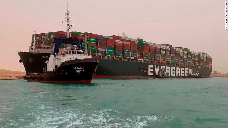 Chuyện tưởng nhỏ nhưng không nhỏ nữa 210324085406-01-suez-canal-container-ship-0324-exlarge-169