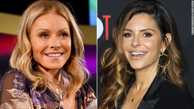 Kelly Ripa goes to the dogs while Maria Menounos fills in on 'LIVE'