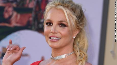 Les célébrités se rassemblent autour de Britney Spears