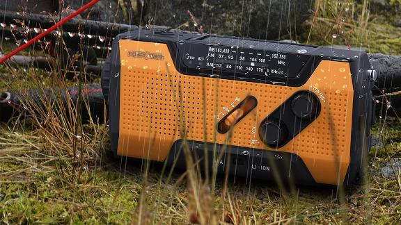FosPower Emergency Solar Crank Portable Radio