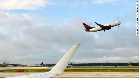 Delta knocks down false report that vaccinated pilot died in-flight