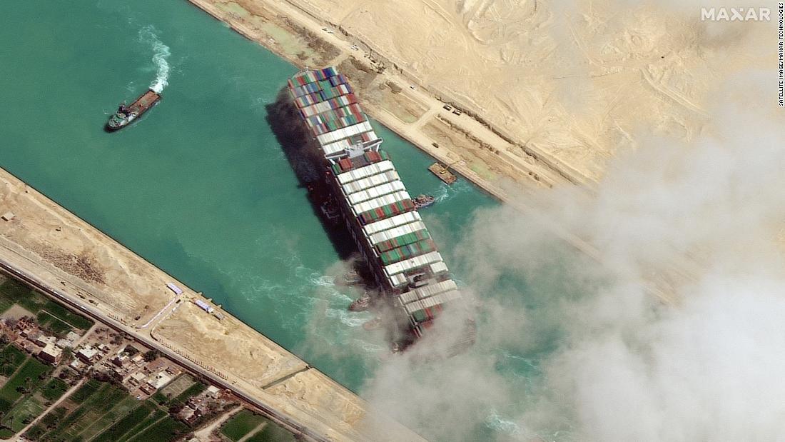 Le canal de Suez est en cours d'élargissement. Sera-ce suffisant pour empêcher un autre navire de rester coincé?
