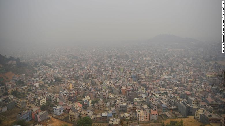 Smog blankets Nepal as hundreds of wildfires rage nationwide