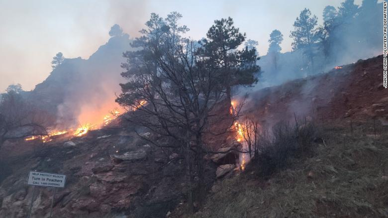 A South Dakota wildfire forced hundreds of evacuations while other blazes shut down Mount Rushmore