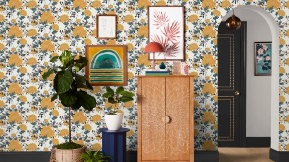 Vintage Floral Yellow Peel-and-Stick Wallpaper by Drew Barrymore Flower Home