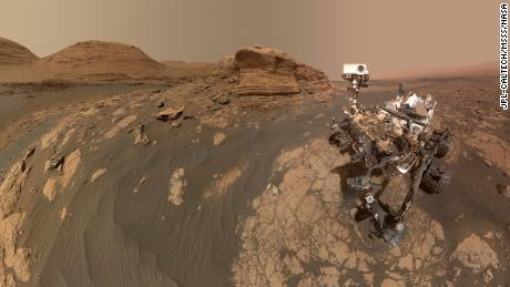 NASA's Curiosity Mars rover used two cameras to create this selfie in front of Mont Mercou.