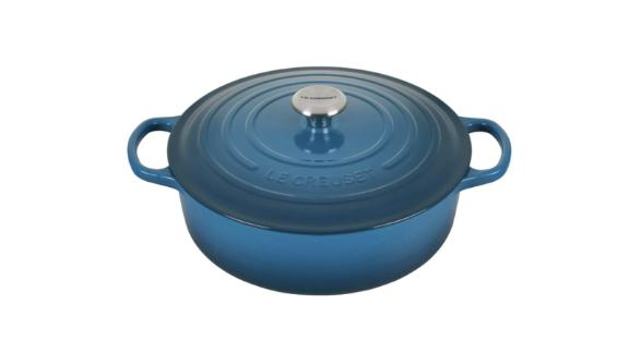Le Creuset Signature 6 3/4-Quart Dutch Oven