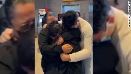 Separated mom and daughter reunite after 6 years