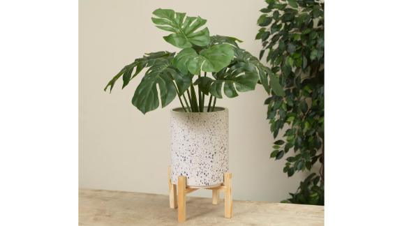 Gerson International 13-Inch High Stoneware Planter with Wooden Stand