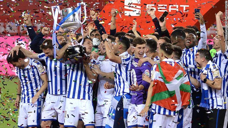 Kemenangan final Copa del Rey Spanyol oleh Real Sociedad merupakan kali pertama klub tersebut meraih trofi sejak tahun 1987.