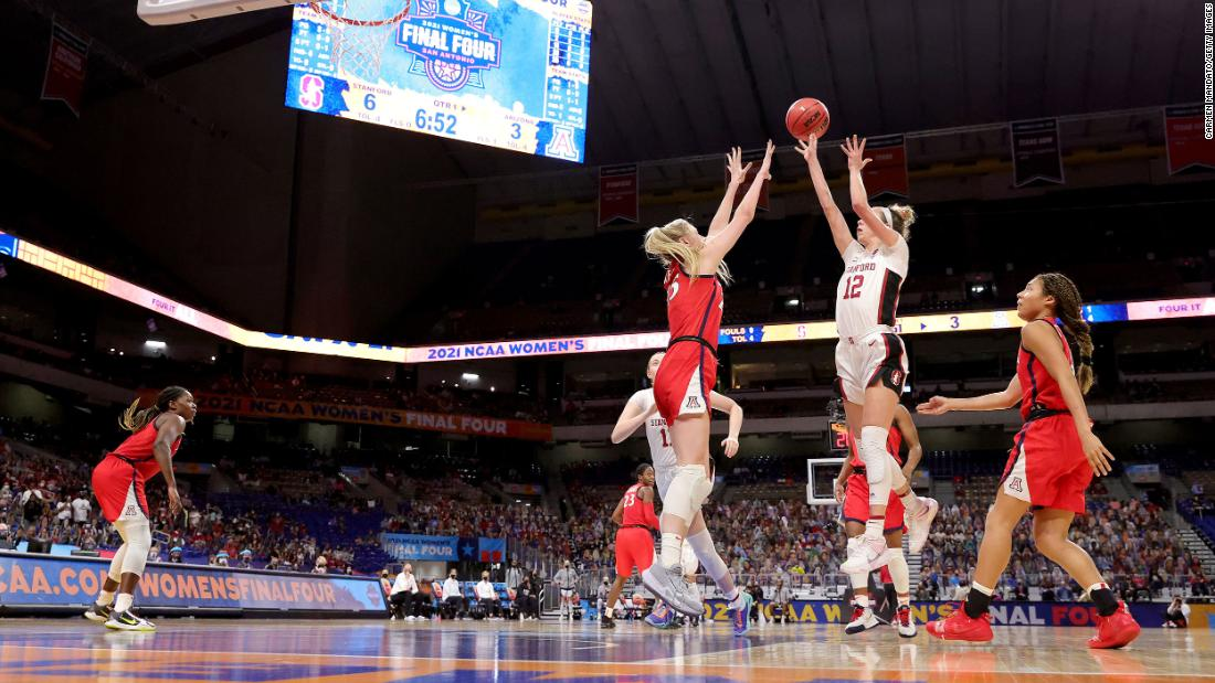 Stanford's Lexie Hull shoots over Cate Reese on Sunday.