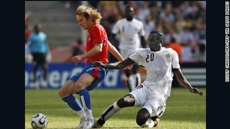 Στο Παγκόσμιο Κύπελλο του 2006, ο Owel Edo της Τσεχικής Δημοκρατίας έπεσε στην Τσεχική Δημοκρατία με τον Pavel Neved.