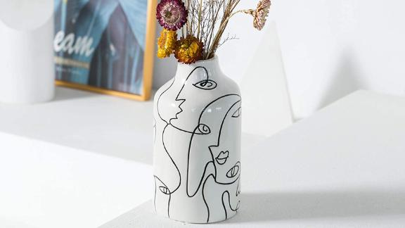 Kimdio Face Design Ceramic Vase