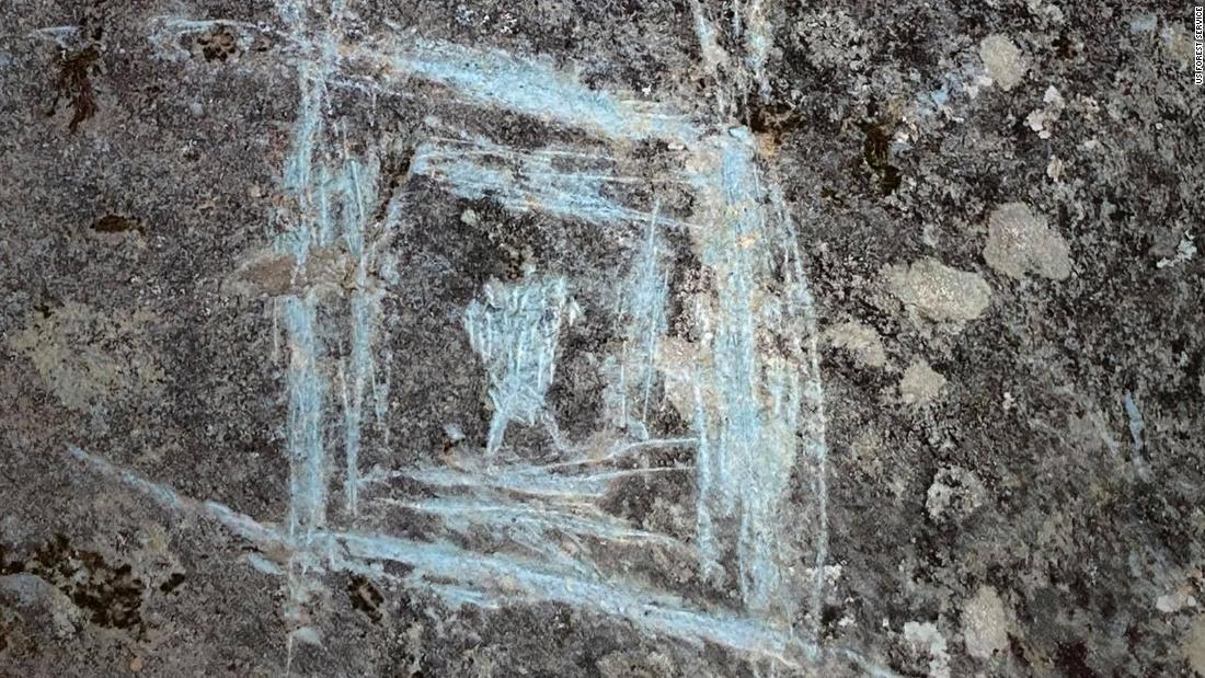 Thousand-year-old Native American rock carvings have been vandalized thumbnail