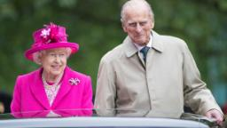 "LONDON, ENGLAND - JUNE 12: (L-R) Queen Elizabeth II and Prince Philip, Duke of Edinburgh during ""The Patron's Lunch"" celebrations for The Queen's 90th birthday at The Mall on June 12, 2016 in London, England.  (Photo by Jeff Spicer/Getty Images)"
