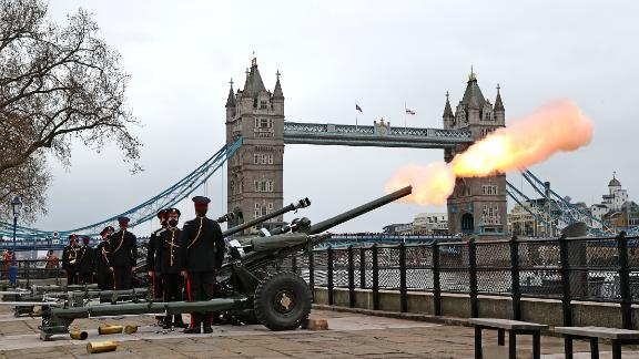 "LONDON, UNITED KINGDOM - APRIL 10: The Honourable Artillery Company fire a gun salute at The Tower of London on April 10, 2021 in London, United Kingdom.  The Death Gun Salute will be fired at 1200 marking the death of His Royal Highness, The Prince Philip, Duke of Edinburgh. Across the country and the globe saluting batteries will fire 41 rounds, 1 round at the start of each minute, for 40 minutes. Gun salutes are customarily fired, both on land and at sea, as a sign of respect or welcome. The Chief of the Defence Staff, General Sir Nicholas Carter, said ""His Royal Highness has been a great friend, inspiration and role model for the Armed Forces and he will be sorely missed."" (Photo by Chris Jackson/Getty Images)"