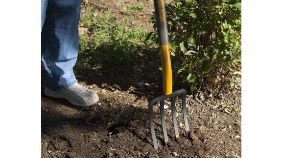 True Temper 2812200 4-Tine Spading Digging Fork