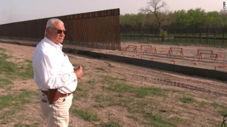 Construction of the border wall: what happened when it froze?