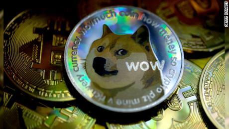 Apa itu Dogecoin? Bagaimana lelucon menjadi lebih panas daripada bitcoin