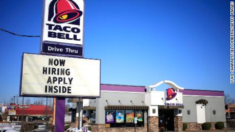 Taco Bell and other chains are recruiting thousands of workers.