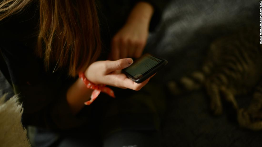 A psychologist's advice: How to talk to your kids about social media and drug abuse