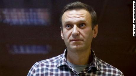 Russland setzt die politische Bewegung von Alexei Navalny im ganzen Land aus