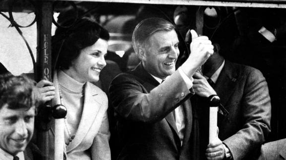 Mondale and Dianne Feinstein campaign in San Francisco for President Carter's reelection on September 5, 1980.