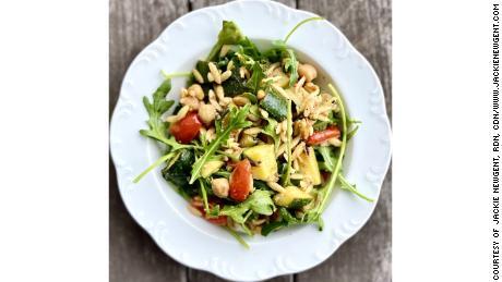 香茅欧佐托配鹰嘴豆和大蒜。