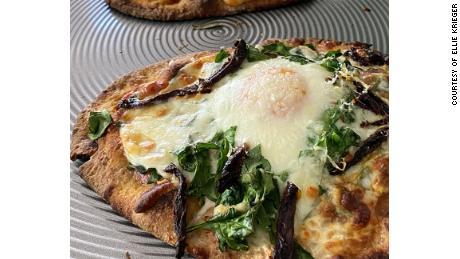 菠菜和鸡蛋大饼披萨