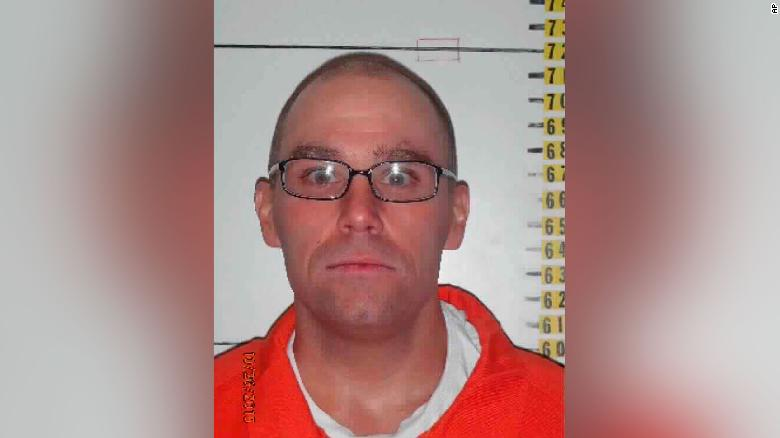 A Nevada man sentenced to death tells court he'd rather die by firing squad than lethal injection