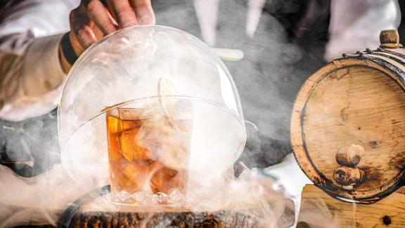 Is cocktail smoking worth it? Absolutely. Here's what you need to know thumbnail