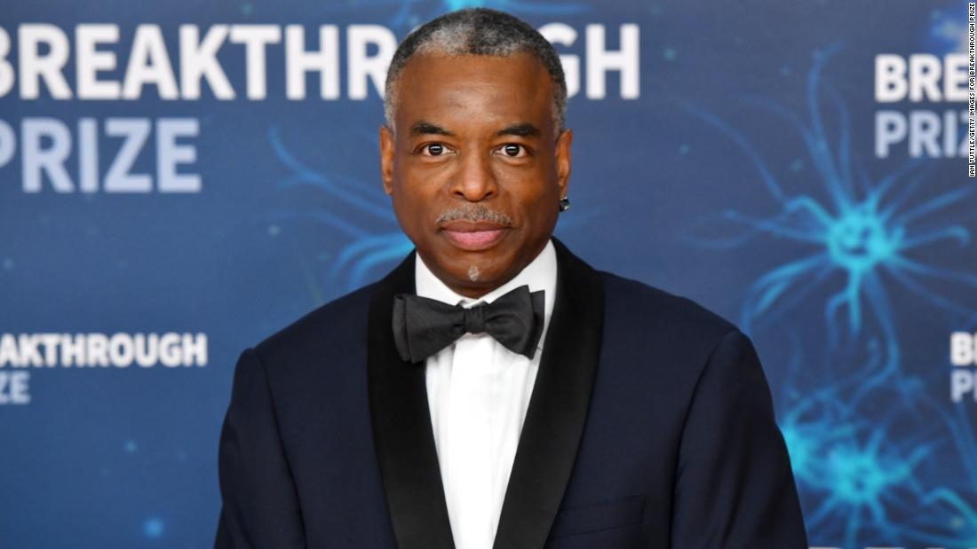LeVar Burton lands guest host gig on 'Jeopardy!' after more than 246,000 fans sign online petition - CNN