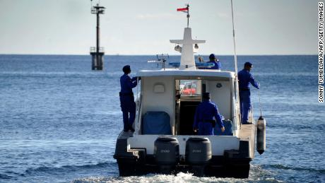 La policía marítima de Indonesia participó el jueves en una operación de búsqueda del submarino desaparecido KRI Nangala-402 de la Armada.