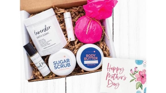 GiftBoxLoveCo Mother's Day Gift Box