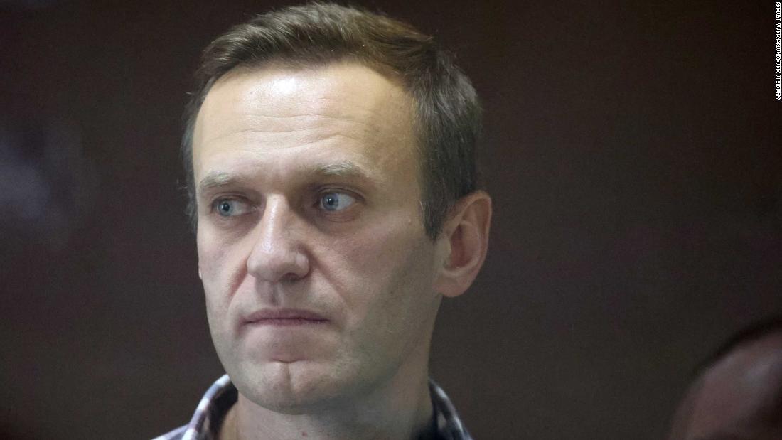 Jailed Kremlin critic Alexey Navalny ends hunger strike