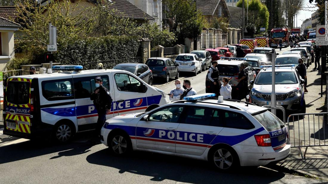 Police official killed in knife attack at station near Paris