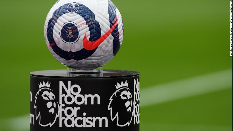 Sejumlah pemain telah menjadi sasaran pelecehan rasis online.