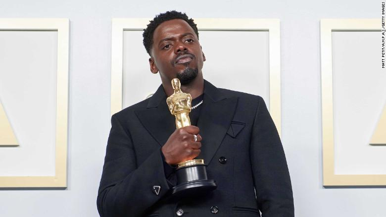 See the complete list of Oscar winners