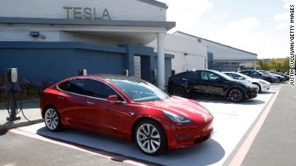 02 Tesla cars 0426